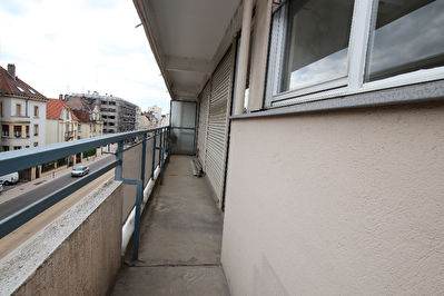 TEXT_PHOTO 0 - Appartement 2 pièces 43 m² loggia à vendre à METZ Queuleu